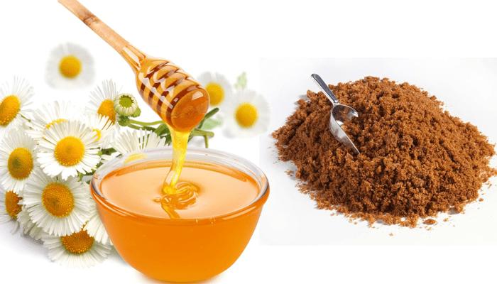Tẩy da chết bằng đường nâu mật ong